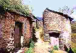 """La Comarca de las Hurdes está situada al norte de la provincia de Cáceres, limitando con la de Salamanca, en lo que comúnmente se denomina """" La boina de Extremadura"""