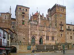 Fachada del Monasterio de Guadalupe