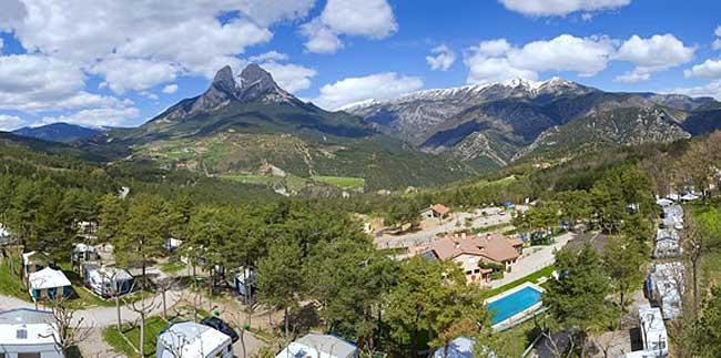 panoramica-camping-Repos-de-Pedraforca