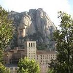 Montañas y Monasterio