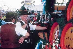 Oktoberfest.-Fiesta-de-la-Cerveza-en-Munich
