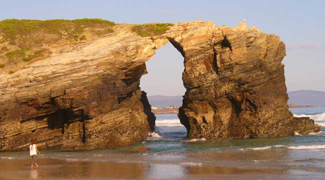 playa de las catedrales monumento natural