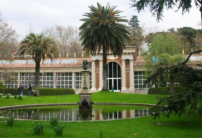 Parques y jardines de madrid for Jardines de la puerta de atocha